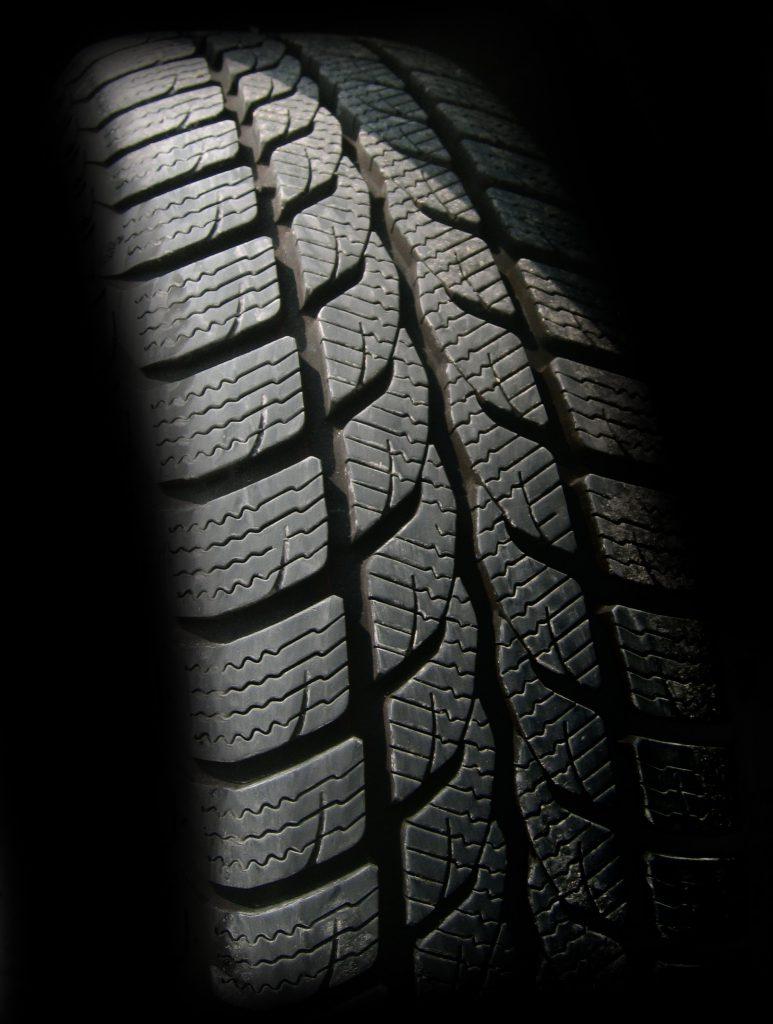 Monster wheels bar pneu